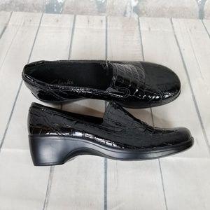 Clark's Bendables Womens Faux Croc Black Size 7.5M